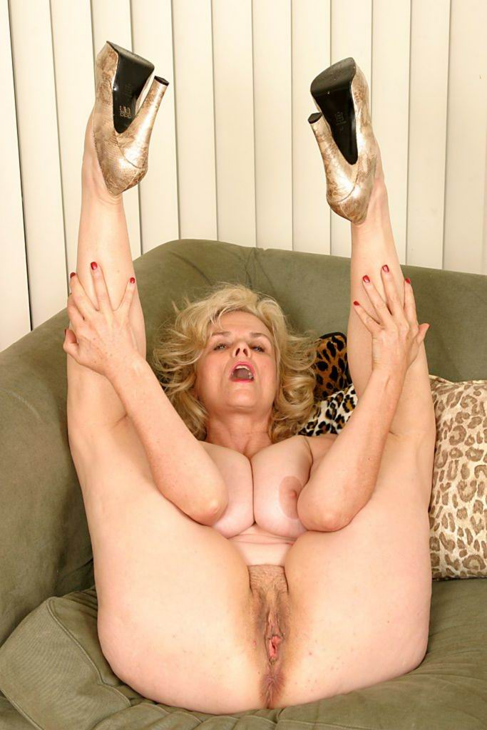 HotNudeGranny.com -EXPERIENCED WOMEN WHO LOVE to Suck&Fuck. Horny ...