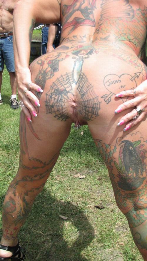 Tattooed milf anu