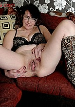 old amateur granny big pussy stretched from Unique Sexy Girls